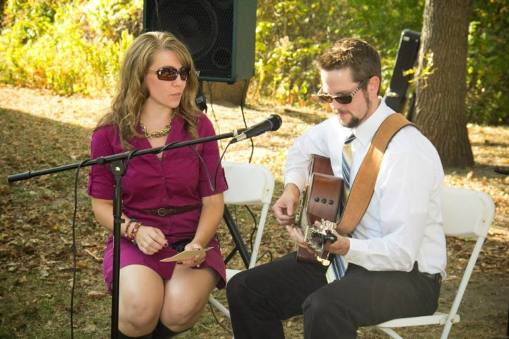 Sister Big Eyes and FBIL performing together at an outdoor wedding, aren't they cute?